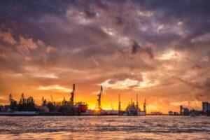 Sonnenuntergang am Hafen Hamburg