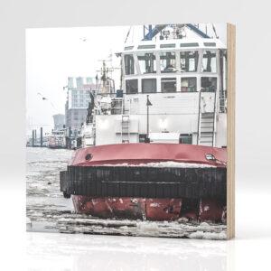 Hamburg Schlepper Winter auf Holz