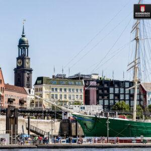 Hamburg Michel und Rickmer Rickmers auf Holz