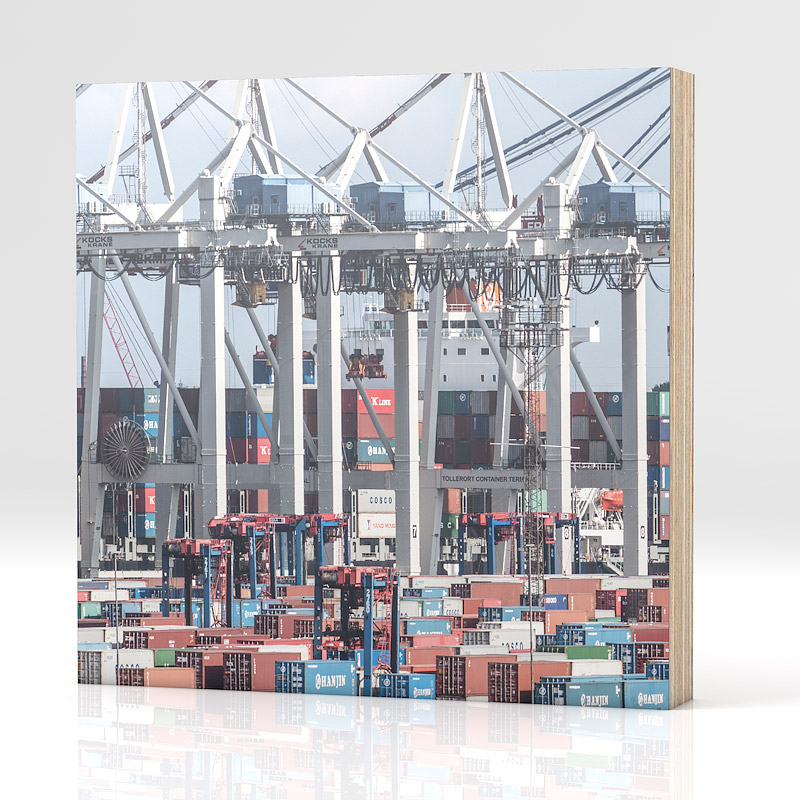 hamburg containerhafen auf holz. Black Bedroom Furniture Sets. Home Design Ideas