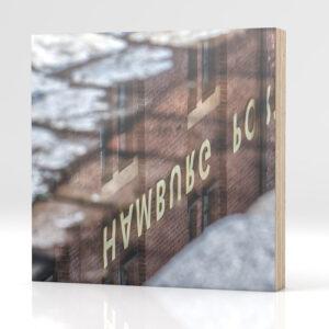 Hamburg Spiegelung auf Holz
