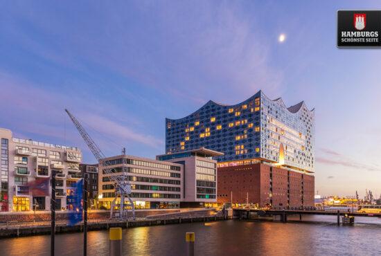 Hamburger Elbphilharmonie zur blauen Stunde